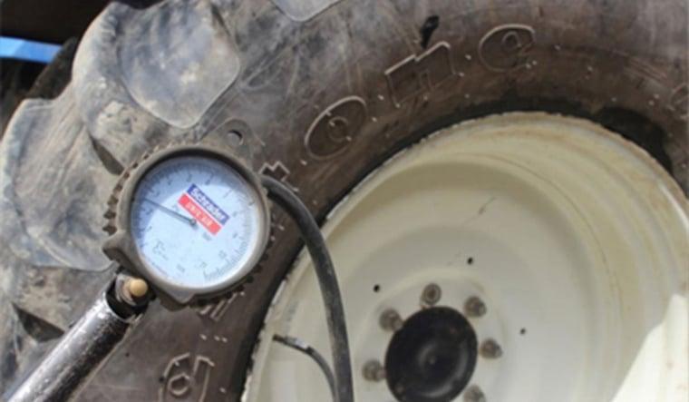neumático de tractor sin presión