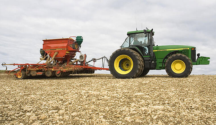 emparejar neumáticos de tractor para la productividad