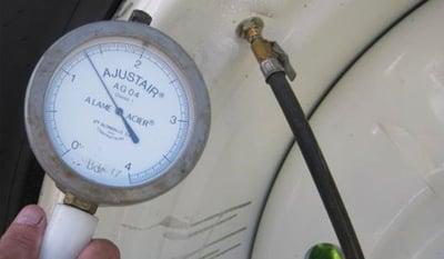 ajuste de la presión neumático agrícola