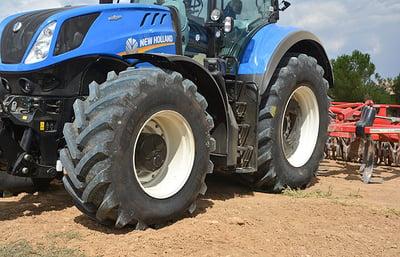 VX-Tractor, neumático de tractor polivalente